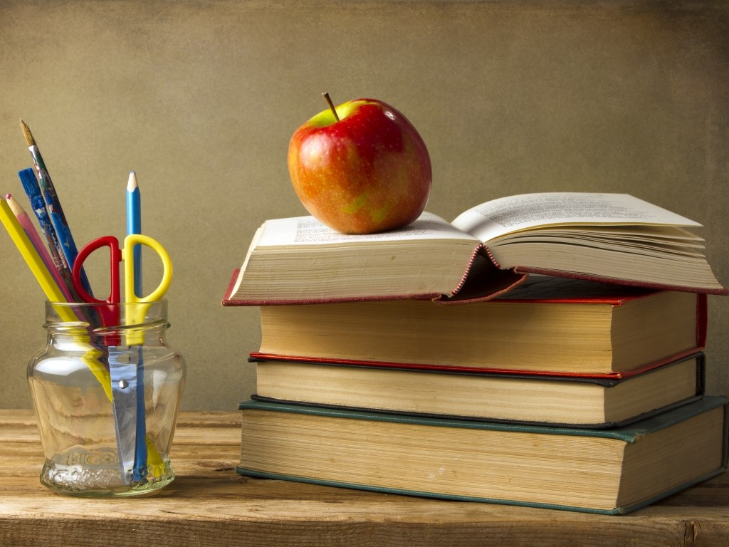 books-apple-pencils